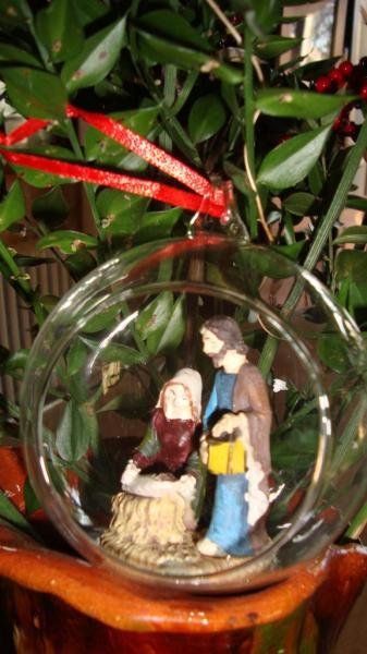 Sainte Famille dans sa bulle en verre